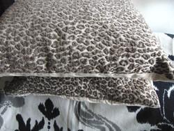 Decorative pillowcase 2 leopard patterns