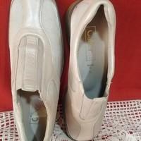 """""""Gábor"""" márkájú újszerú szép 39-es cipő"""