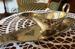 Meseszép, ritka, antik, jelzett, ezüstözött, alpakka szószkiöntő rózsás tálcával
