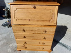 For sale a 4 drawer, pine secretary - chest of drawers. Furniture in beautiful condition. Dimensions: 82 cm x 38 cm x 106 cm
