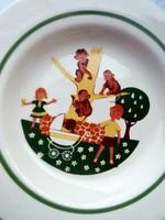 Mese mintás tányér