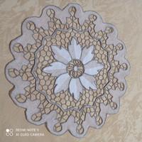 Light beige-hazel stitched lace tablecloth, 27 cm in diameter