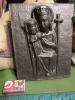21.5 X 16.5 cm cast iron sacred image. Mary with the little Jesus. It is in perfect condition.
