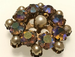 Old brooch with iridescent crystals and beads, 4.5 cm in diameter