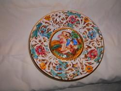Capodimonte embossed wall bowl 20 cm