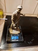 Réz szobor, egyik kézfeje csonka, 24 cm magas, 2481 gr súlyú