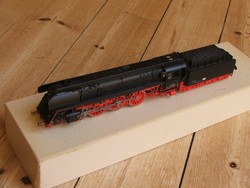 Piko br 01 with high-speed steam locomotive box