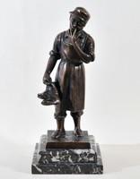 With rónai marking: shoemaker, bronze