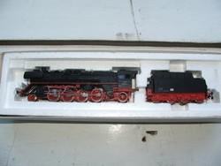 Piko br 41 reko freight train with steam locomotive box