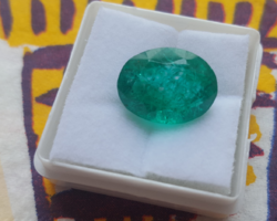 Beautiful, special green emerald with 7.30Ct certificate