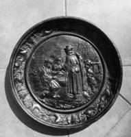 Cast iron wall bowl, plate 40.5 cm