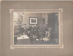 Antik fotó, polgári család karácsonya az 1910-es években