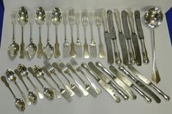 Antik Dianás jeles ezüst evőeszköz készlet 37 db-os 2,37 kg