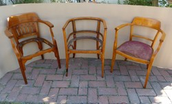 Thonet  és Kohn székek.