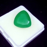 8.72 Cts emerald with natural certification