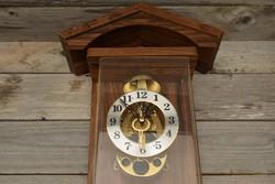 Old wooden effect wall clock / mid-century clock / retro / pendulum key