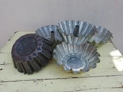Old, retro baking tins, dumpling form, 4pcs