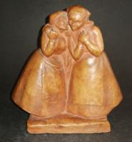 Rare Chaldean Aurel 1958 terracotta statue of gossiping women - ep