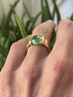 18 karátos, 12,2 grammos zöld köves Design arany gyűrű!!!