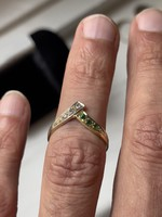 About 1 forint! 14 carat gold ring with small glasses and emeralds.