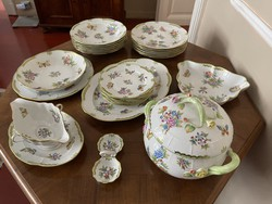 Complete Herend Victorian patterned set for 6 people.