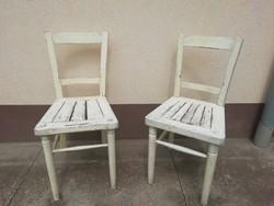 Régi népies, falusi jellegű fa székek, 2db