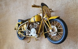 Fém lemez Verseny  Motor Makett (sárga)