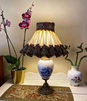 Delft type table lamp.