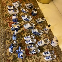 20 pieces of delft pattern