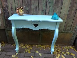 Vintage (v.Turquoise) carved heart console table 31,000 Ft
