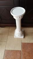 White ceramic pedestal