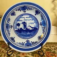 Artistically painted medium delft faience plate