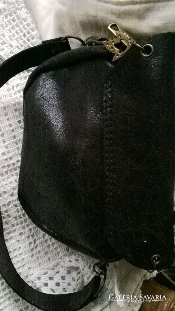 ... +-2 +-2. Termék leírásaSzállítási és fizetési információk. Régi tiszta bőr  kézműves kis méretű táska ... 9012259cf6