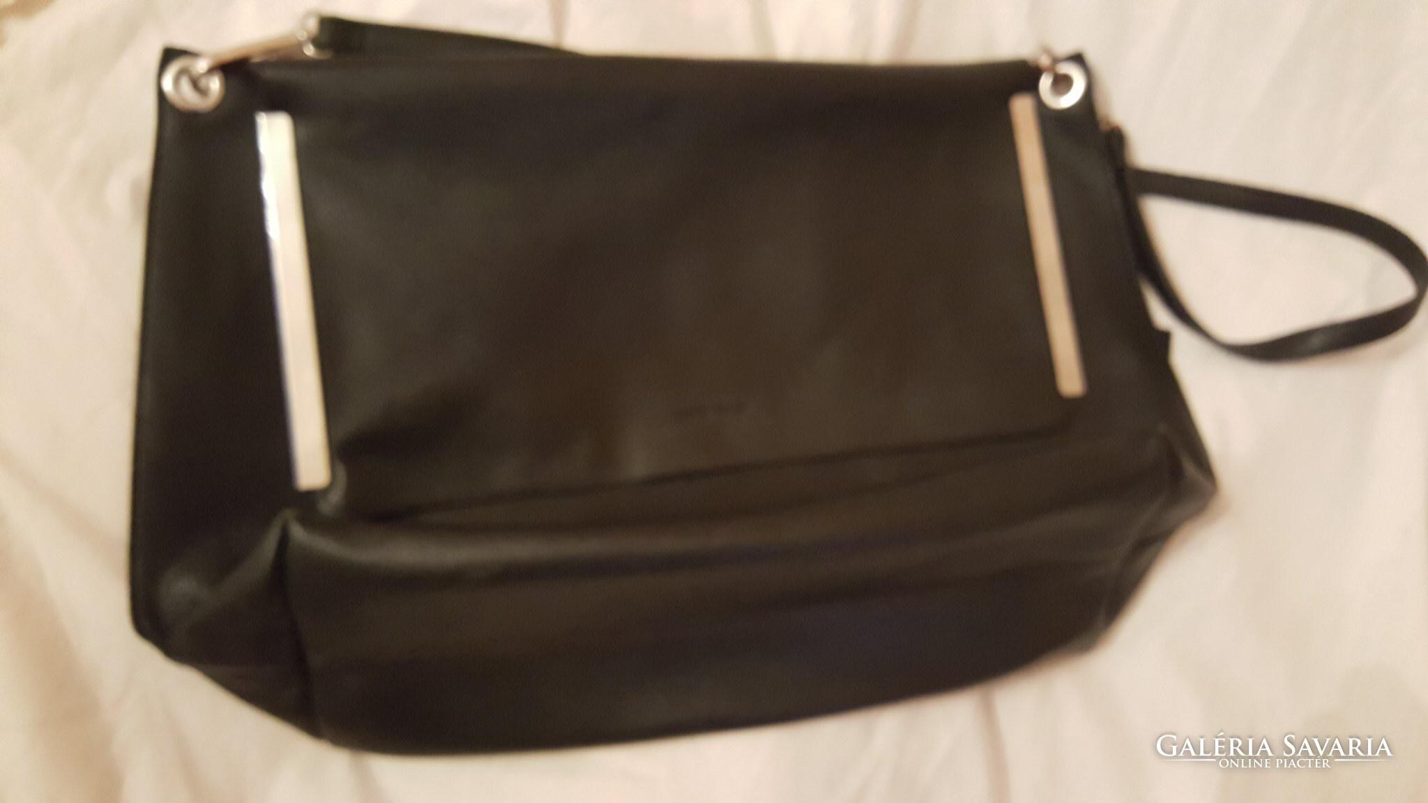 3c99b713a2f8 MANGO márkajú bőr táska - Gardrób | Galéria Savaria online piactér ...